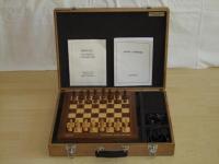 Phoenix Koffer mit Universal Chess Board (Sapphire I ist unter dem Brett verstaut)